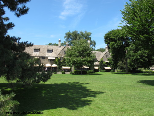 Edsel & Eleanor Ford House7