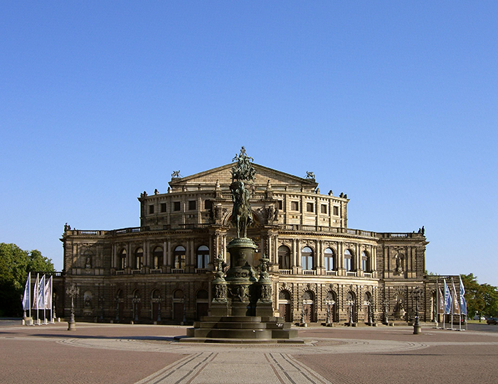 #youngDresden