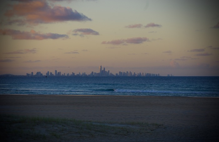 Final de tarde observando Surfer's Paradise