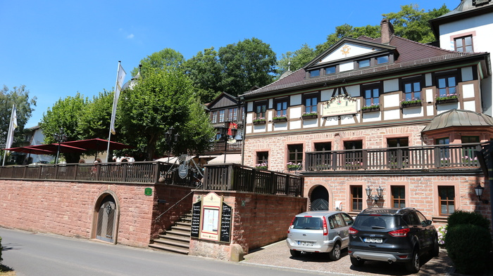 Mespelbrunn schlosshotel1