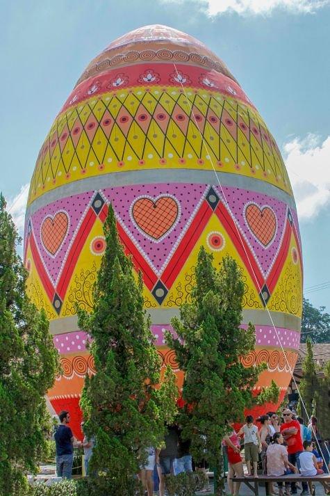 Osterfest - Maior Ovo de Páscoa decorado do Mundo