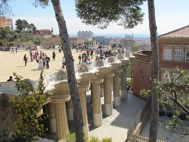 Parque Guell Gran Plaça e colunas